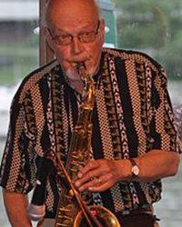 Su 11.8. klo 17.00 Eero Ojanen trio, sekä jazzlegenda Kaarlo Kaartinen.